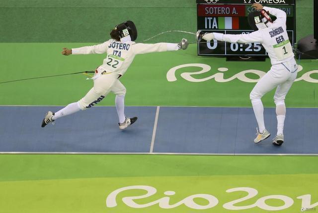 现代五项女子击剑排名赛 中国双姝暂列五六位